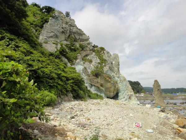 【遠景】ろうそく岩
